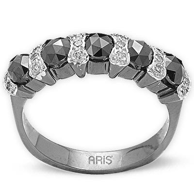 0,83 ct Schwarz Weiß Diamant Ring