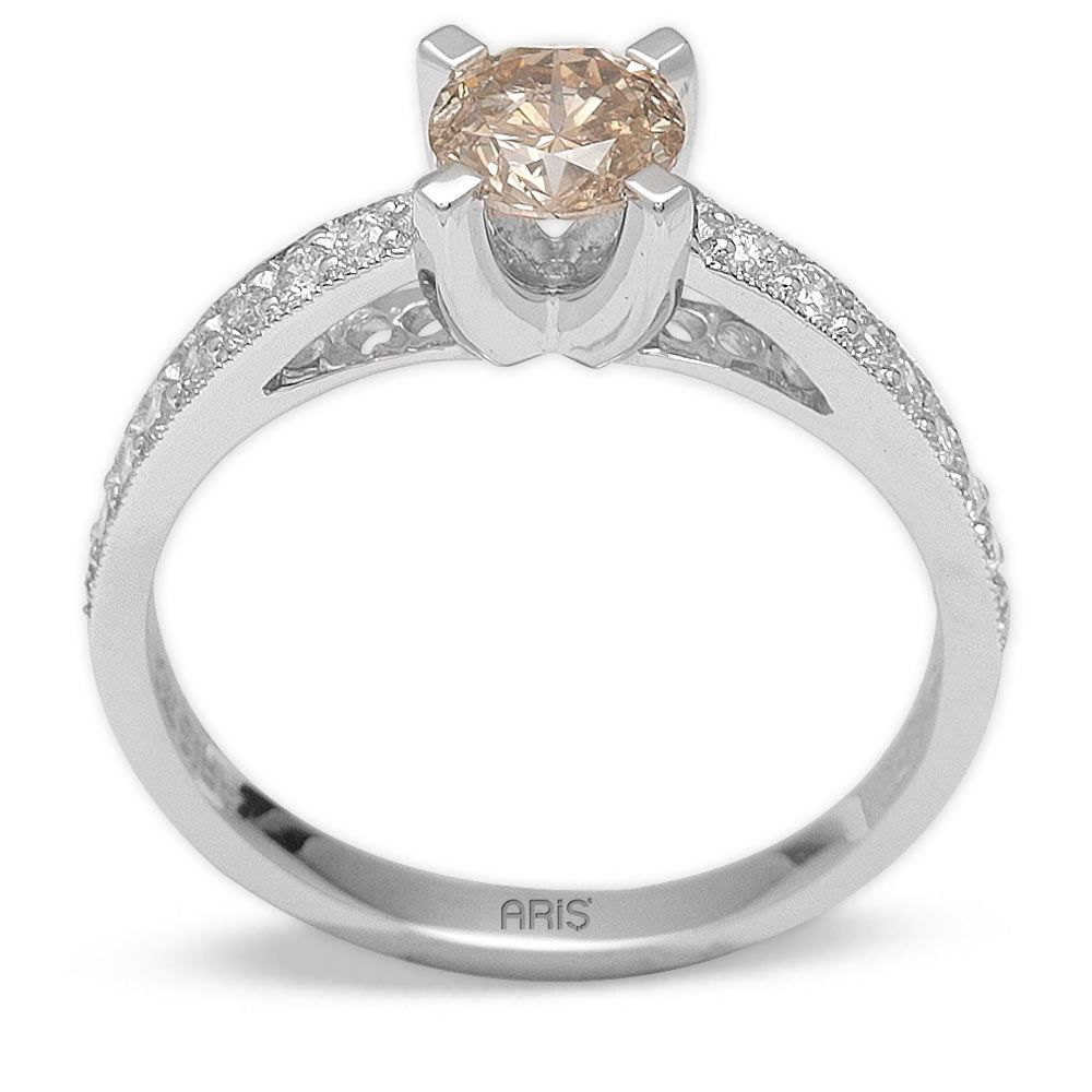 0,76 ct  Fancydiamond Ring