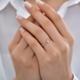 0.10 Ct. Diamant Ring im Trenddesign .