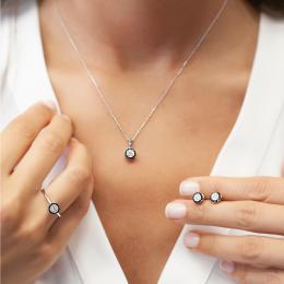 Damen Ohrstecker mit Weiß-Schwarzen Diamanten aus Weißgold 585