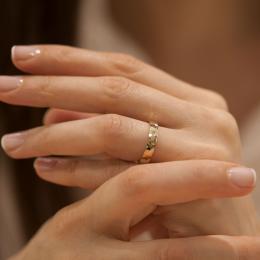 585er Rosegold Diamant Trauring (Gehämmert)